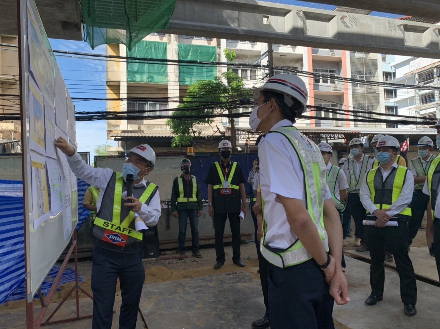 MRTA inspects the MRT Yellow Line Project construction progress